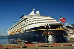 Navio de cruzeiros entrado Fotos de Stock Royalty Free