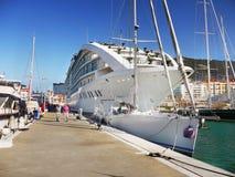 Navio de cruzeiros luxuoso, porto de Gibraltar imagens de stock royalty free