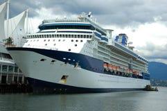 Navio de cruzeiros no ancoradouro Fotografia de Stock
