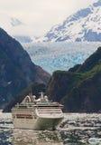 Navio de cruzeiros no Fjord do braço de Tracy, Alaska Fotografia de Stock Royalty Free
