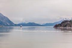 Navio de cruzeiros no louro de geleira Imagem de Stock Royalty Free