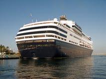 Navio de cruzeiros no porto Imagem de Stock Royalty Free