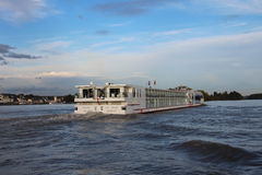 Navio de cruzeiros no Rhine Imagem de Stock Royalty Free