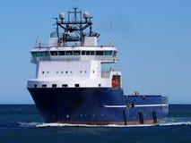 Navio de fonte a pouca distância do mar 15e imagens de stock