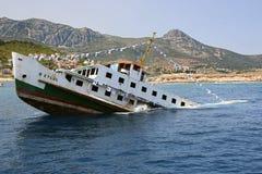 Navio de naufrágio para o turismo de mergulho fotografia de stock