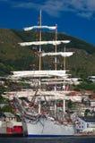 Navio de navigação no porto de Maloy Imagem de Stock Royalty Free