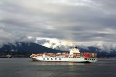Navio de recipiente de COSCO, Vancôver Fotos de Stock