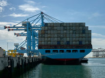 Navio de recipiente e porto de Rotterdam dos guindastes Fotografia de Stock Royalty Free