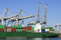 Navio de recipiente no porto Imagens de Stock Royalty Free
