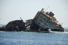 Navio-destruição do navio no Mar Vermelho fotografia de stock