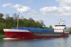 Navio do frete no canal de Kiel Fotos de Stock