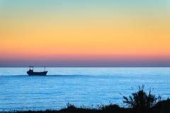 Navio do frete no mar fotografia de stock royalty free