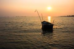 Navio do por do sol do mar Imagens de Stock