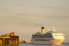 Navio e fortaleza Imagem de Stock Royalty Free