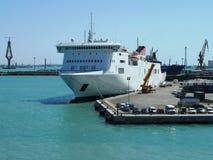 Navio entrado em um porto espanhol Fotos de Stock Royalty Free