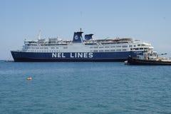Navio grande no porto imagem de stock