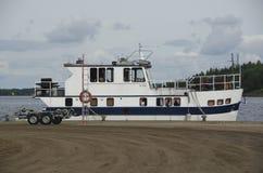 Navio na doca em Lappeenranta imagem de stock
