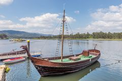 Navio no cais, réplica de Viking fotografia de stock