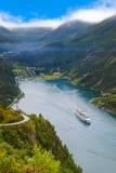 Navio no fiorde de Geiranger - Noruega Imagens de Stock