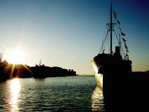 Navio no por do sol foto de stock royalty free