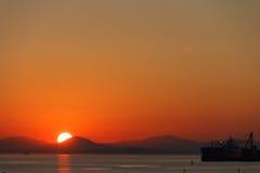 Navio no por do sol Fotografia de Stock Royalty Free