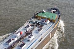 Navio que move-se para o porto Fotografia de Stock