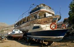 Navio restaurado de madeira velho em uma doca seca Imagens de Stock