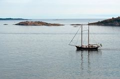 Navio Two-masted no mar Fotografia de Stock Royalty Free