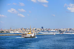 Navio a vapor da cidade de Istambul fotografia de stock royalty free