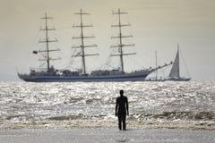Navios altos que saem de Liverpool Fotografia de Stock