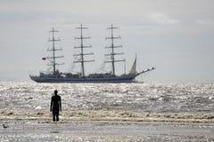 Navios altos que saem de Liverpool Foto de Stock