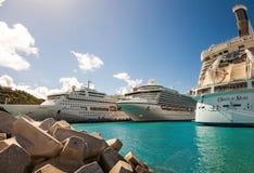 Navios de cruzeiros em St Maarten Foto de Stock Royalty Free