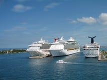 Navios de cruzeiros na porta Fotos de Stock