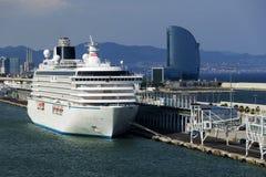 Navios de cruzeiros na porta de Barcelona Fotos de Stock Royalty Free