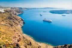 Navios de cruzeiros perto das ilhas gregas Fotografia de Stock Royalty Free