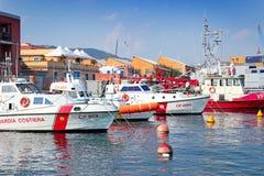 Navios de guarda costeira no porto Imagem de Stock