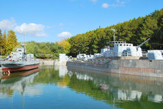 Navios de guerra no parque da vitória em Moscou Foto de Stock Royalty Free