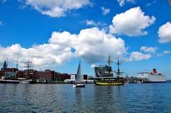 Navios de navigação e forro do cruzeiro Imagens de Stock