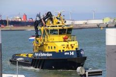 Navios do piloto da autoridade portuária de Rotterdam no Pistollhaven nos Países Baixos imagem de stock royalty free