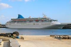 Navios e forros bonitos do cruzeiro Fotografia de Stock Royalty Free
