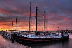 Navios no por do sol. Fotos de Stock Royalty Free