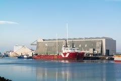 Navios no porto de Harlingen, Países Baixos Imagem de Stock Royalty Free