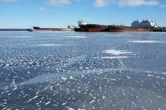 Navios no porto no inverno Imagem de Stock Royalty Free