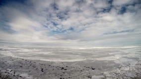 Navire de recherches en mer arctique glaciale un jour ensoleillé clips vidéos