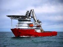 Navire en mer A de plongée image libre de droits