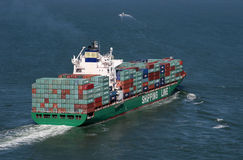 Navire porte-conteneurs chargé Photo stock