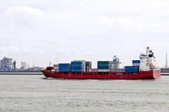 Navire porte-conteneurs dans le port de Rotterdam Photographie stock libre de droits