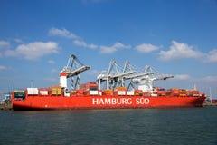 Navire porte-conteneurs de lessive de Hambourg images libres de droits