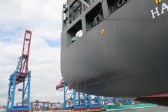 Navire porte-conteneurs de port de Hambourg Image libre de droits