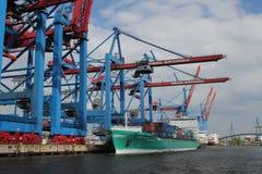 Navire porte-conteneurs de port de Hambourg Photographie stock libre de droits